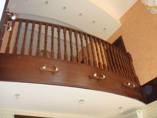 Деревянная лестница на заказ 4