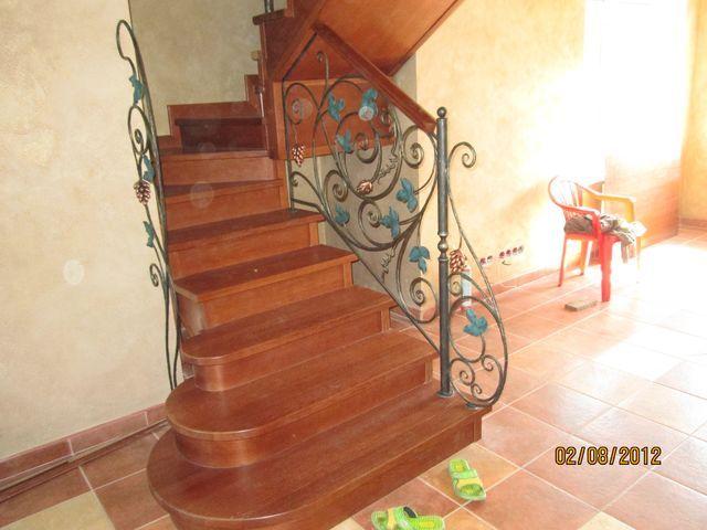 Лестницы на заказ с ковкой 23