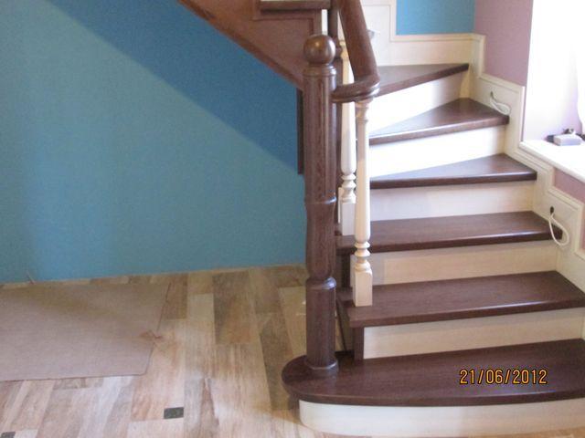 Лестницы на заказ с коваными перилами 24