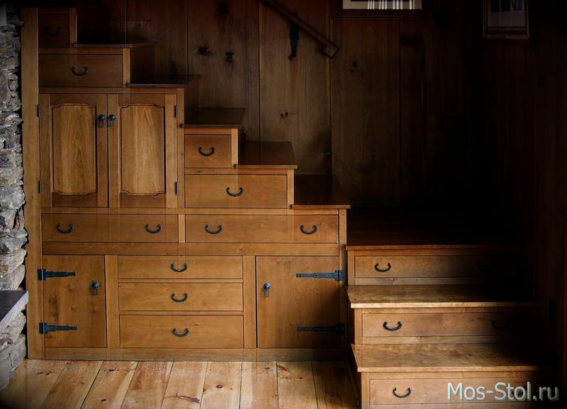 Шкаф под лестницей 10