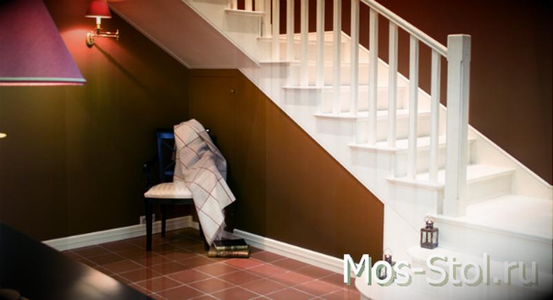 Шкаф под лестницей 19