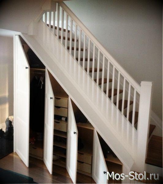 Шкаф под лестницей 22