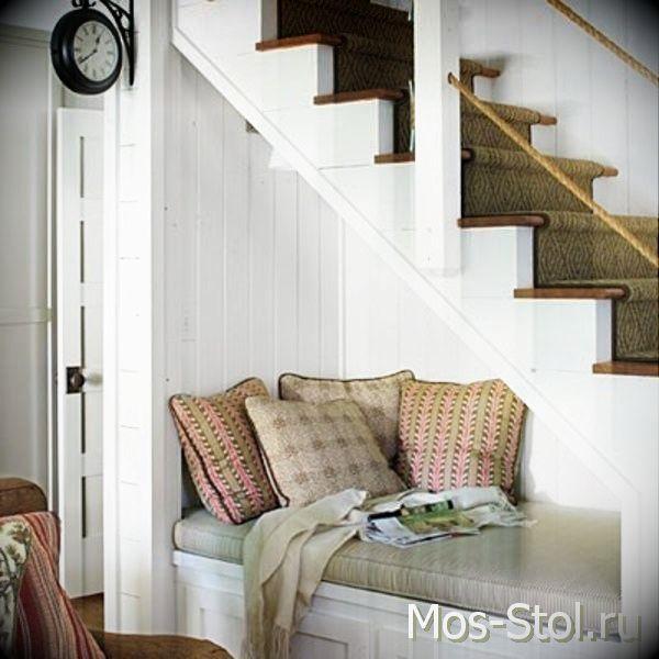 Шкаф под лестницей 24