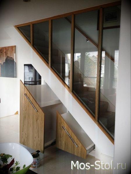 Шкаф под лестницей 25