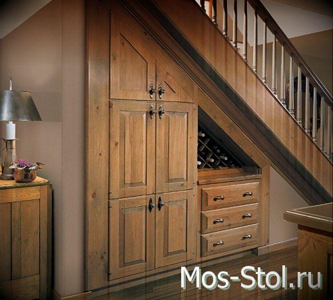 Шкаф под лестницей 34