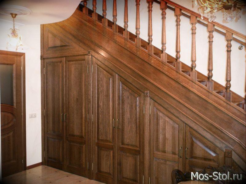 Шкаф под лестницей 4