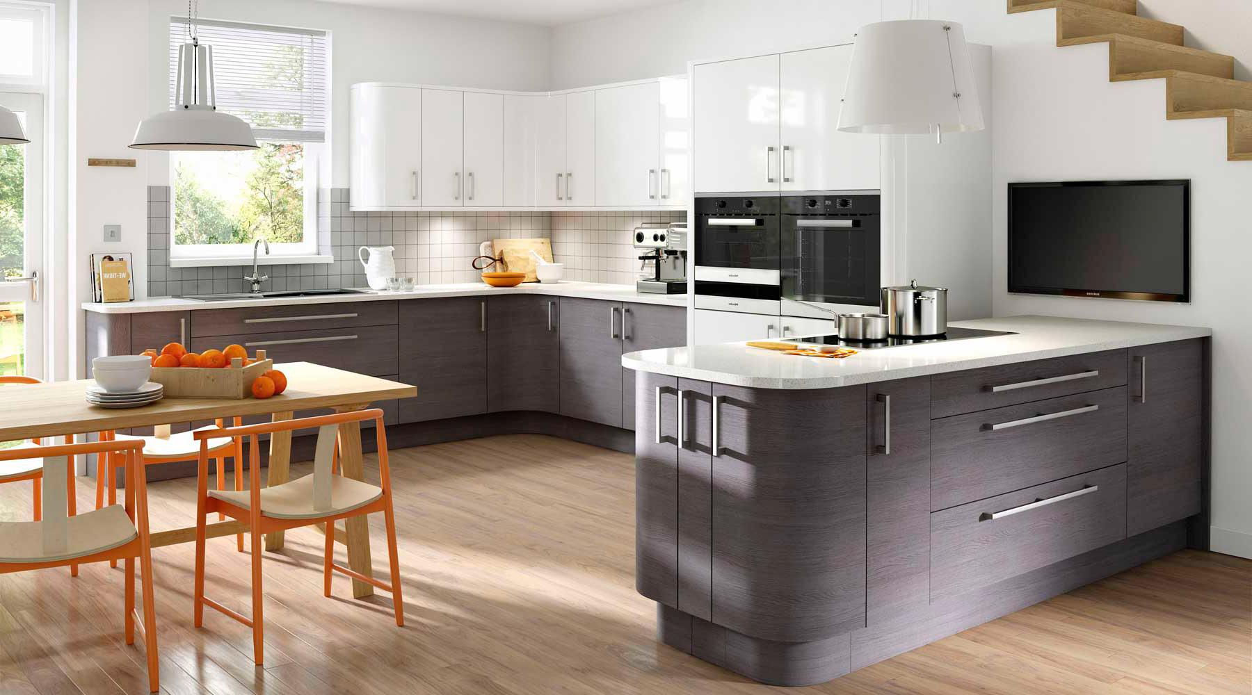 Кухня в стихе Хайтек выполненная по дизайнерскому проекту заказчика