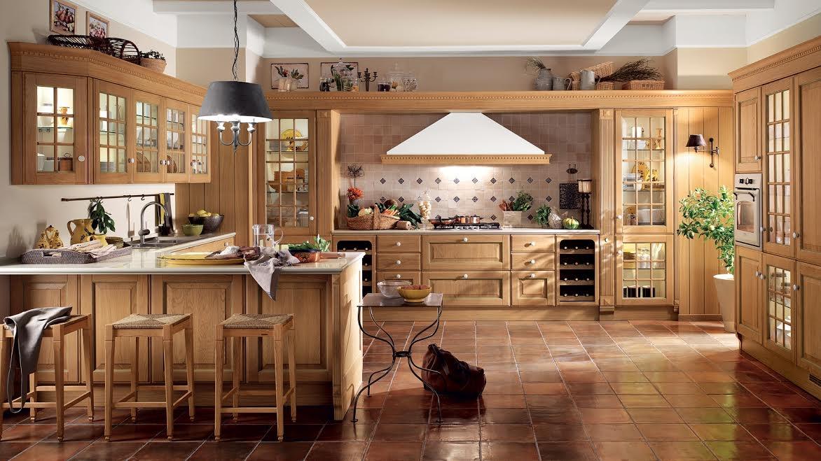Кухня на заказ из массива дерева в светлых тонах